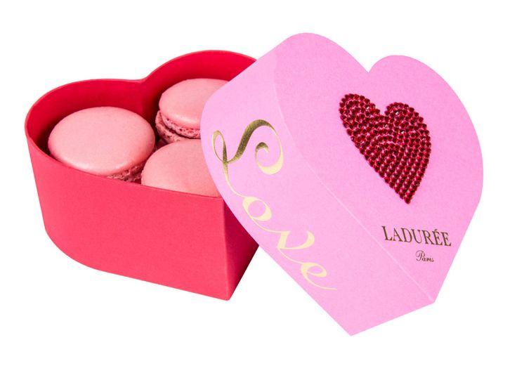 Edizione di San Valentino con scatola a forma di cuore per baci zuccherini