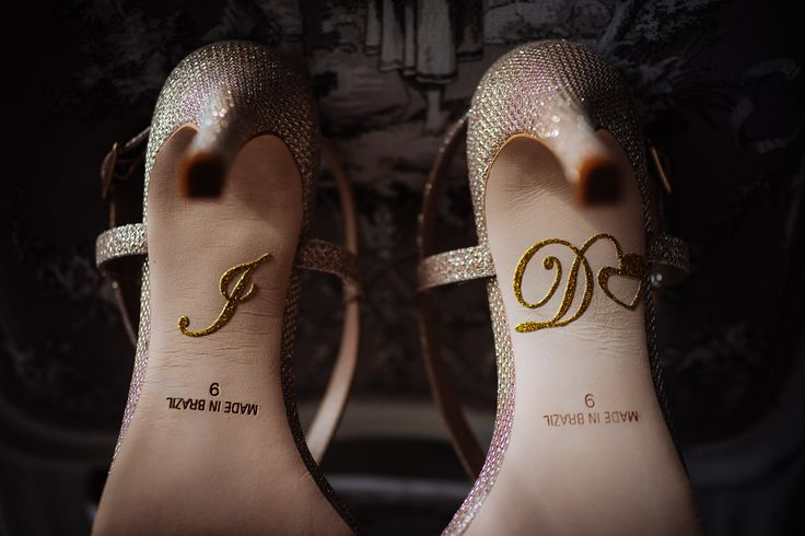 A detail of the bride shoes. She is sure about her answer!