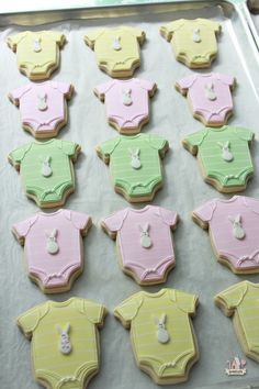 Onesie and Elephant Baby Shower Cookie Tutorial | Sweetopia