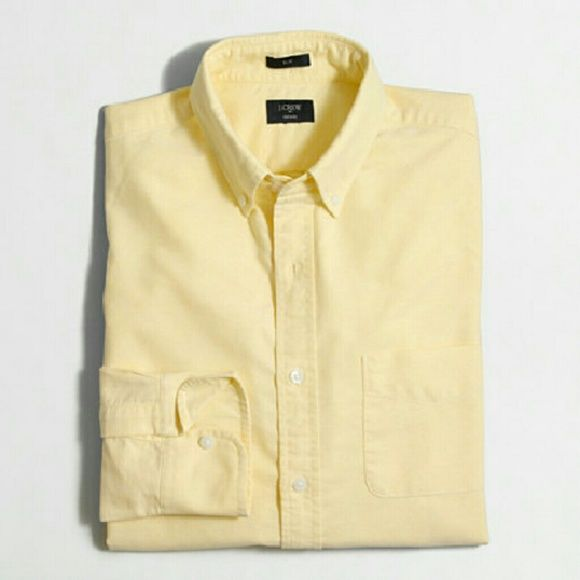 J. Crew Women's Oxford Popover Lightweight material in a beautiful yellow. Perfect for summer! Love the pop over style! J. Crew Tops Button Down Shirts