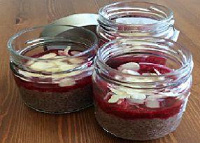 Chia puding s ovocím, Zdravé recepty, Nepečené zákusky, Poháre, pudingy, krémy ..., recept | Naničmama.sk