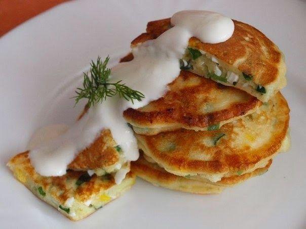 """Шустрый повар.: Оладушки """"Чиполлино"""" с зеленым луком и яйцом"""