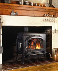 Jotul GF300DV http://www.classicfireplace.ca/freestanding-stoves-direct-vent.html