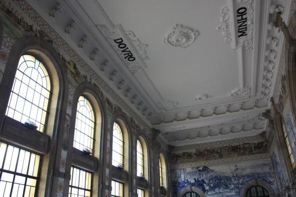 Estação S. Bento by Francisca Amorim