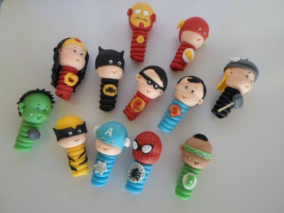 Ponteiras de lápis com os heróis baby. Acompanha o lápis. R$ 5,00