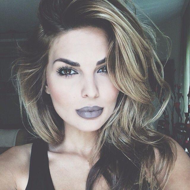 grey lipstick affair