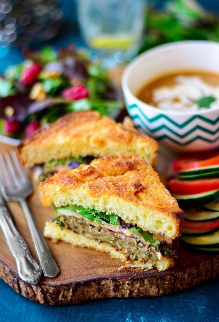 Tauschen Sie Ihr Fleisch Pastete für dieses geschmackvolle und gesunde VEGAN Auberginen-Sandwich - es ist eine Party in Ihrem Mund, dass Sie nicht wollen, zu verpassen!