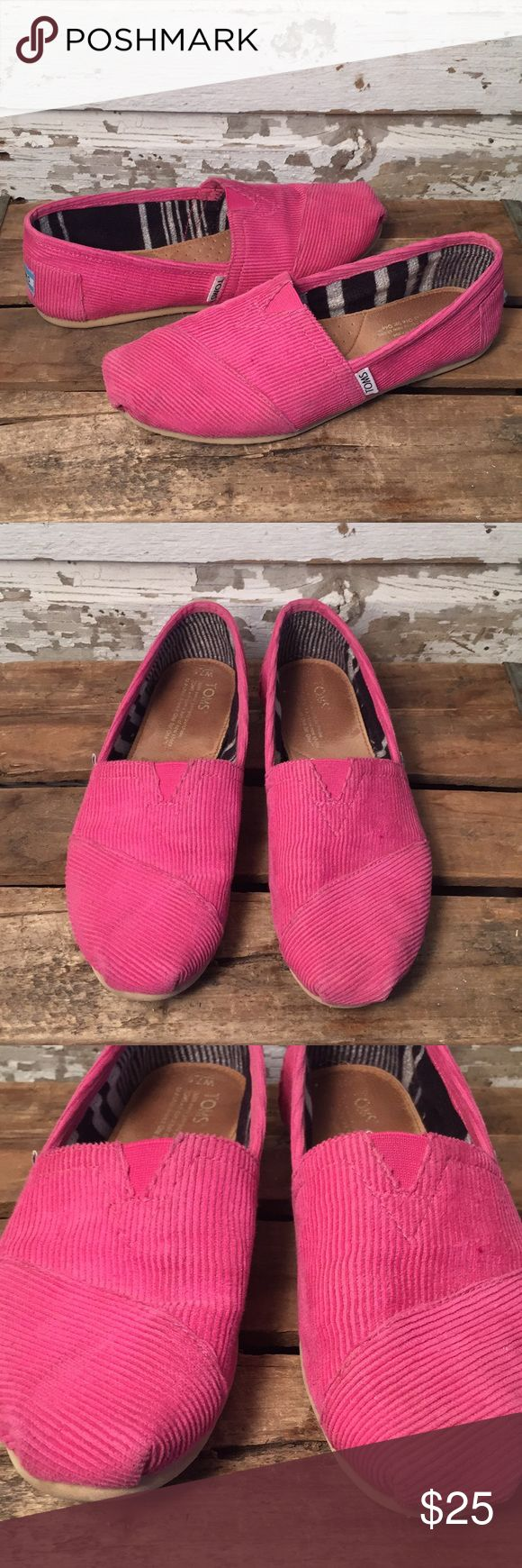 Rose TOMS Corduroy Classics Women's Size 7.5. Pink Toms Corduroy Classics. Preowned and in great shape. Please view all photos. Gently worn. Retails for $54 Toms Shoes Flats & Loafers