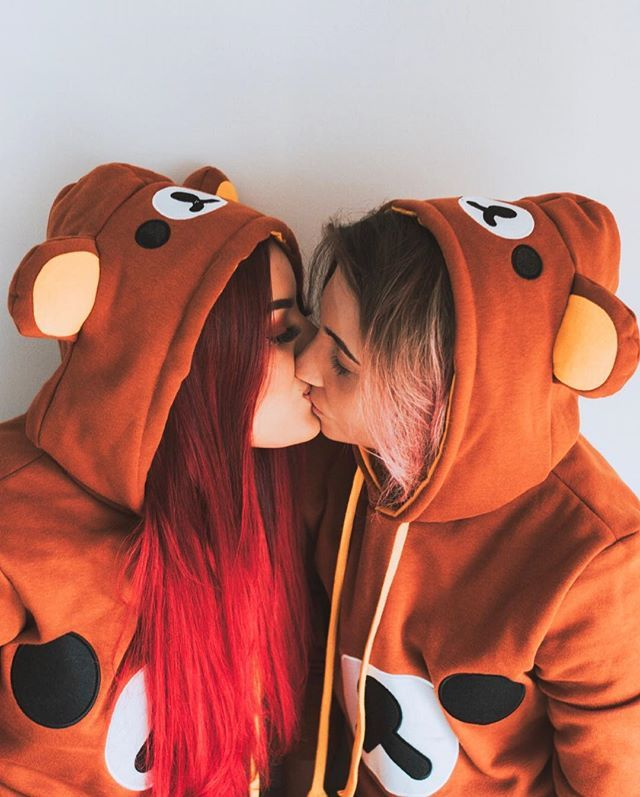 Kim RosaCuca (Kim RosaCuca) • Couple tumblr photos to inspire you with: Couple T-shirt Rilakkuma. Redhead, red hair, lesbian couple, cute, kiss, c …