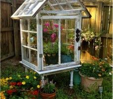 Best 38 Ideal Techniques To Repurpose and Reuse Outdated Windows | http://www.interiordesign-world.com/interior-design/best-38-ideal-techniques-to-repurpose-and-reuse-outdated-windows/
