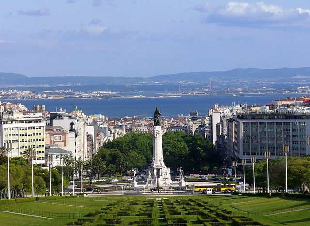 Lisbon's Marques de Pombal Square - A beautiful place to enjoy