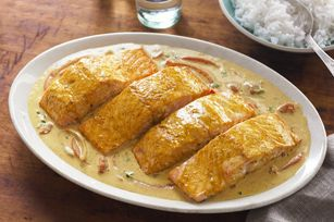 Coconut curry salmon. Yummalicious! I used Greek yoghurt instead of cream cheese. It was good.