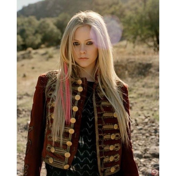 Avril Lavigne ❤ liked on Polyvore featuring avril lavigne, people, avril, backgrounds and models