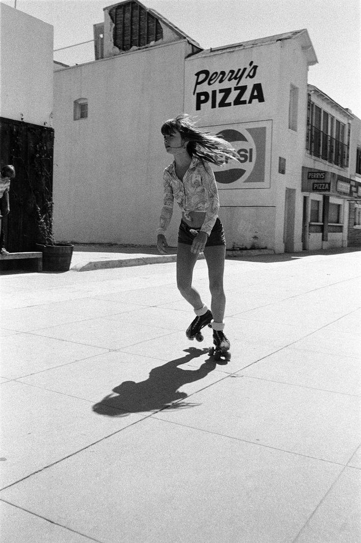 Roller skating vaughan - La City Rollers Lost Photos Of Californian Rollerskaters Telegraph