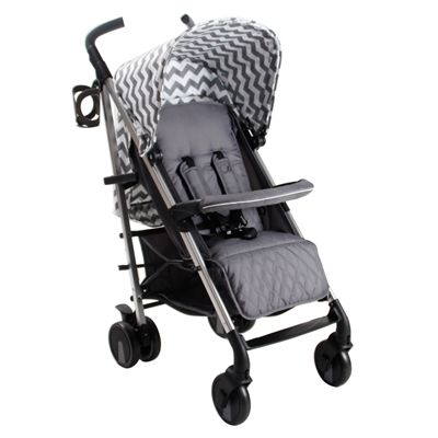 Designed by celebrity mum Billie Faiers, the MB51 DarkGrey Chevron strollers are high quality, lightweight aluminium framed buggies that offer great protection, comfort, manoeuvrability and easy handling. Thanks to the lockable and swivelling front wheels and the extra large shopping basket, the MB51 is a great everyday pushchair. The pushchair also lays flat making it suitable from birth.