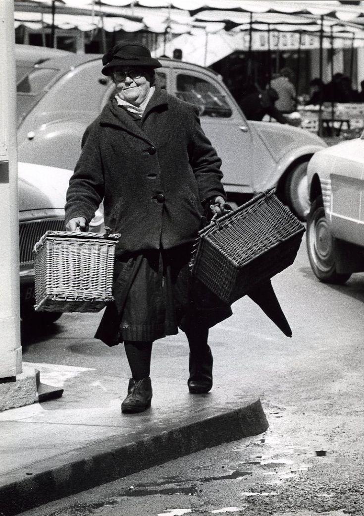 Robert Doisneau // Auvergne - La foire d'Aurillac Avril 1966