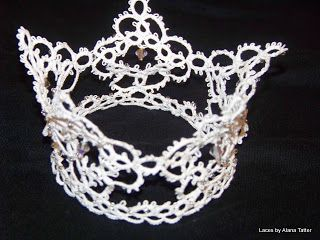 Laces by Alana Tatter ~ The Tatting Gallery: Still more earrings and another look at the crown
