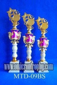 Pabrik Piala Di Surabaya Jual Trophy Piala Penghargaan, Trophy Piala Kristal, Piala Unik, Piala Boneka, Piala Plakat, Sparepart Trophy Piala Plastik Harga Murah