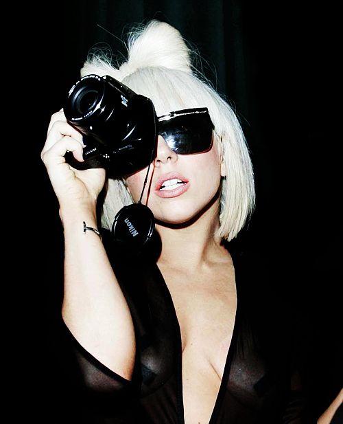 Lady Gaga & Nikon ^^: Canon Camera, Gaga Obsession, Lady Gaga, Mothers Monsters, Ordinari People, Guns Celebrity, Music Stars, Celebrity Camera