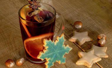 Nemáte kvůli vánočnímu shonu čas odskočit si do oblíbené kavárny a vychutnat si milovanou kávu? Tak zůstaňte doma a připravte si vaše latté sami. A můžete zkusit odlehčenou verzi z rostlinného mléka, na které si pochutnají i všichni vegani!