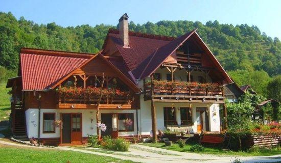Casa traditionala cu etaj