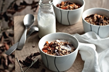 Chocolate muesli with warm milk http://bit.ly/IAIo2Y: Warm Milk, Chocolates, Chilly Mornings, Breakfast Brunch Recipes, Heartwarming Breakfast, Milk Recipe, Breakfast Recipes, Chocolate Muesli