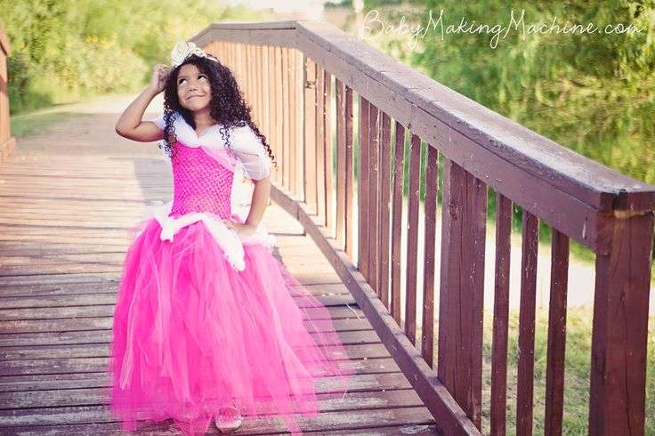 Sleeping Beauty Tutu Dress Tutorial: No-Sew Disney Aurora Dress