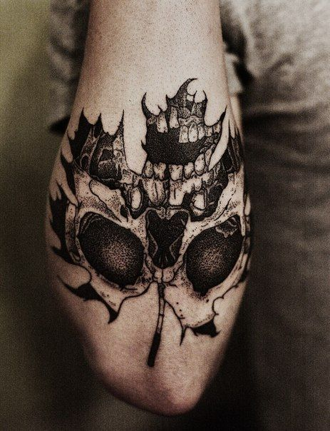 #leaf #skull #tattoo