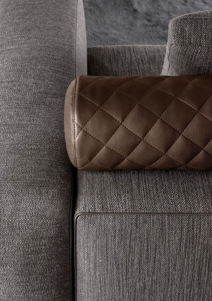 Minotti 2014 Leonard sofa with eco-leather piping