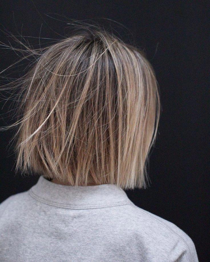 10 Lässige mittlere Bob-Haarschnitte - Weibliche Bob-Frisuren 2019 - 2020 #bobhairstylesideas