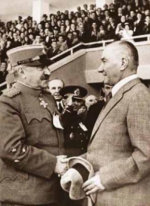Atatürk, Yugoslavya Savunma Bakanı Orgeneral Lujibomir Mariç ile Ankara'da - 19 Mayıs 1938