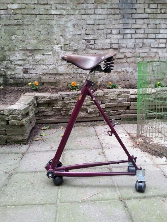 Vom alten Rad zum praktischen Stuhl mit Rollen - Upcycling (c) Rad und Kultur Blog