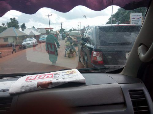 Unbelievable! Muslims Block Major Road in Ejule to Pray Causing Serious Traffic Jam (Photos)