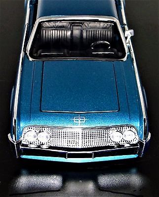 Dazzling Dream Car 1960s Ford Lincoln Mercury Merc 1961 1962 1 24 Concept 40 12 GT 18 https://www.minitoycars.com/product/dream-car-1960s-ford-lincoln-mercury-merc-1961-1962-1-24-concept-40-12-gt-18/#Matchbox #Diecast #Lincoln