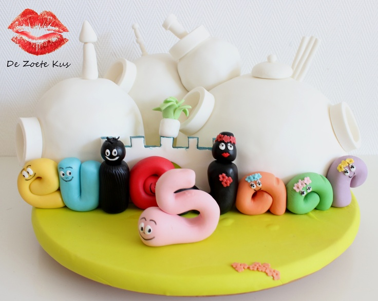 The home of the Barbapapa family fondant cake