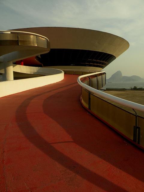 Contemporary Art Museum of Niterói, Rio de Janeiro - Brazil Oscar Niemeyer