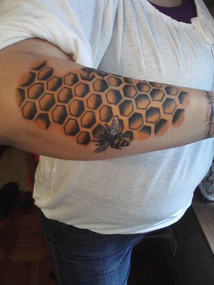 Beekeeping Tattoo: 17 Best Images About Bee /Geometric Tattoos On Pinterest