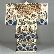 Kitsuke Garment (Kabuki Costume), Dragon and wave design on white plain-weave wool  Edo period, 19th century, Formerly worn by Bando Mitsue