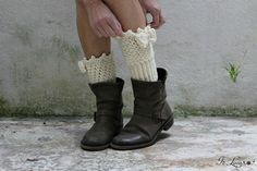 Mini scaldamuscoli fai da te all'uncinetto – Is laura Tutorial mini legwarmers knitted crochet. How to make some simple wool legwarmers (italian blog).