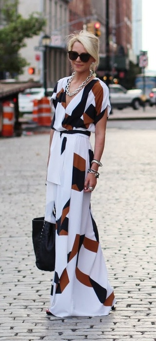 Beautiful Print. Diane Von Furstenburg...def out of my price range but I can draw inspiration from this. So chic.: