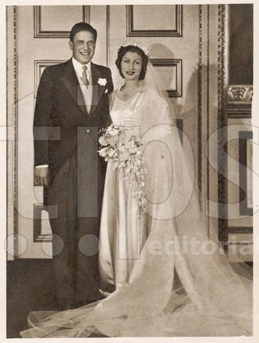 Gerald C Wedding Dresses : Royal wedding gowns weddings high society northern ireland