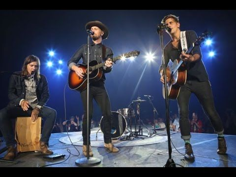 """NEEDTOBREATHE """"Brother"""" Completely unplugged, no mic!-I just absolutely love this song and NTB"""