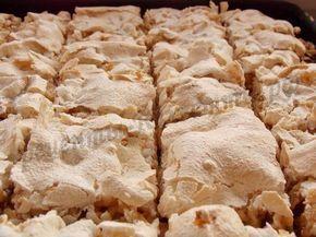 Песочный пирог с яблоками и безе