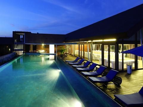 OopsnewsHotels - Watermark Hotel & Spa Bali. Located in Jimbaran, Watermark Hotel & Spa Bali is an easy drive from Tuban and features a swimming pool. The multiple facilities this modern hotel offers include an executive floor, 24-hour room service and valet parking.   There are 143 rooms at Watermark Hotel & Spa Bali, each offering all the necessities to ensure a comfortable stay.