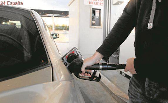 La venta de gasolina repunta por los bajos precios tras hundirse con el «céntimo sanitario»