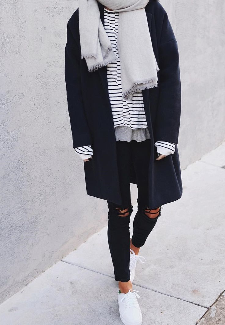 Winter #ootd #lotd #fashion blue coat for the winter, stripe shirt and ripped jeans, sneaker