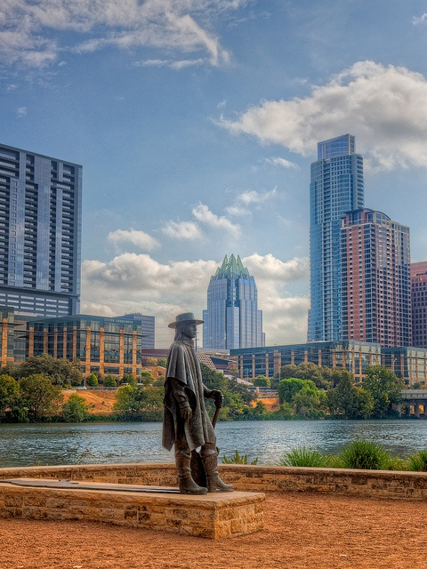 SRV ❤    Stevie Ray Vaughan statue,           Austin