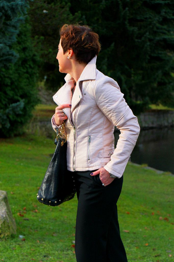 Pink leather jacket blogger outfit