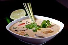 Chicken Coconut Soup Recipe in Urdu