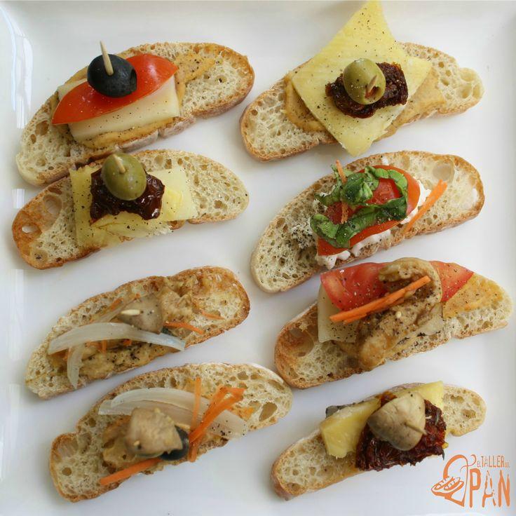 Crostini hechos con nuestro pan ciabatta.